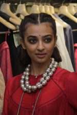 Radhika Apte unveil Festive Edit of new Luxury Pret label AMOH by Designers Monica & Karishma of JADE on 26th Sept 2016 (32)_57eaa7fa17d76.JPG