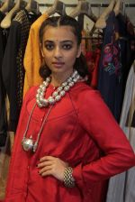 Radhika Apte unveil Festive Edit of new Luxury Pret label AMOH by Designers Monica & Karishma of JADE on 26th Sept 2016 (41)_57eaa7fe17743.JPG
