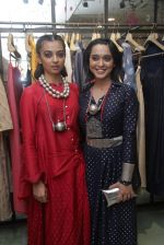 Radhika Apte, Sayani Gupta unveil Festive Edit of new Luxury Pret label AMOH by Designers Monica & Karishma of JADE on 26th Sept 2016 (17)_57eaa7aa9f137.JPG