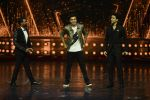 Ranbir Kapoor on the sets of Dance 2 plus finale on 25th Sept 2016 (59)_57eab0d86b748.JPG