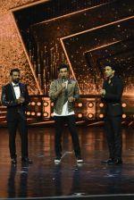 Ranbir Kapoor on the sets of Dance 2 plus finale on 25th Sept 2016 (61)_57eab0da1f0f5.JPG