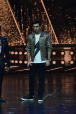 Ranbir Kapoor on the sets of Dance 2 plus finale on 25th Sept 2016 (65)_57eab0dde0f72.JPG