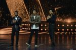 Ranbir Kapoor on the sets of Dance 2 plus finale on 25th Sept 2016 (67)_57eab0e049a73.JPG