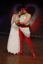Sandip Soparrkar performing with Alesia Raut at NCPA2_57ea9fec0a969.jpg