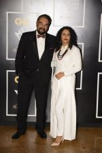 Kabir Bedi, Parveen Dusanj at GQ MEN OF THE YEAR on 27th Sept 2016 (943)_57ebfc158d274.JPG