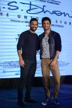 Mahendra Singh Dhoni, Sushant Singh Rajput at MS Dhoni press meet in Delhi on 27th Sept 2016 (46)_57ec04623e02d.jpg