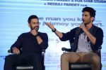 Mahendra Singh Dhoni, Sushant Singh Rajput at MS Dhoni press meet in Delhi on 27th Sept 2016 (15)_57ec045ce6ef4.jpg