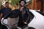 Ranveer Singh inaugurates D Shave salon by his personal hair stylist on 27th Sept 2016 (61)_57ebf6abea538.JPG