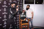 Ranveer Singh inaugurates D Shave salon by his personal hair stylist on 27th Sept 2016 (78)_57ebf6bf5d84b.JPG