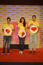 Shilpa Shetty, Kunal Kapur, Cyrus Sahukar during the World Heart Day program organized by Saffola Life in Mumbai on 28th Sept 2016 (52)_57ec037e8be23.JPG