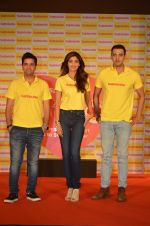 Shilpa Shetty, Kunal Kapur, Cyrus Sahukar during the World Heart Day program organized by Saffola Life in Mumbai on 28th Sept 2016 (60)_57ec03820cf8f.JPG