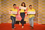 Shilpa Shetty, Kunal Kapur, Cyrus Sahukar during the World Heart Day program organized by Saffola Life in Mumbai on 28th Sept 2016 (64)_57ec0383ef333.JPG