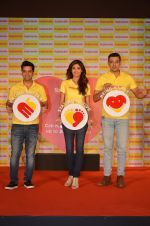 Shilpa Shetty, Kunal Kapur, Cyrus Sahukar during the World Heart Day program organized by Saffola Life in Mumbai on 28th Sept 2016 (51)_57ec051cd9eba.JPG