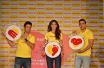 Shilpa Shetty, Kunal Kapur, Cyrus Sahukar during the World Heart Day program organized by Saffola Life in Mumbai on 28th Sept 2016 (53)_57ec051d983db.JPG