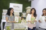 Twinkle Khanna during the launch of Godrej Nature_s Basket Healthy Alternatives products in Mumbai on 27th Sept 2016 (27)_57ec01a75a625.JPG