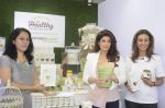 Twinkle Khanna during the launch of Godrej Nature_s Basket Healthy Alternatives products in Mumbai on 27th Sept 2016 (33)_57ec01abc830b.JPG