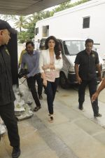 Twinkle Khanna during the launch of Godrej Nature_s Basket Healthy Alternatives products in Mumbai on 27th Sept 2016 (6)_57ec0196b112d.JPG