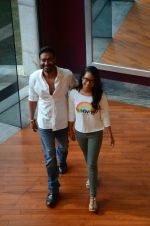 Ajay Devgan at smile foundation event with daughter Nysa on 28th Sept 2016 (16)_57ecb393e32fd.JPG