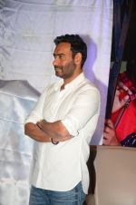 Ajay Devgan at smile foundation event with daughter Nysa on 28th Sept 2016 (23)_57ecb398864bc.JPG