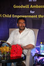 Ajay Devgan at smile foundation event with daughter Nysa on 28th Sept 2016 (24)_57ecb39937aac.JPG