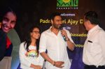 Ajay Devgan at smile foundation event with daughter Nysa on 28th Sept 2016 (31)_57ecb39eb6d30.JPG