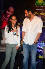 Ajay Devgan at smile foundation event with daughter Nysa on 28th Sept 2016 (64)_57ecb3b70d44a.JPG