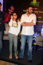 Ajay Devgan at smile foundation event with daughter Nysa on 28th Sept 2016 (68)_57ecb3b9ef270.JPG