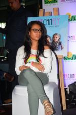 Ajay Devgan at smile foundation event with daughter Nysa on 28th Sept 2016 (76)_57ecb3bf8c90b.JPG