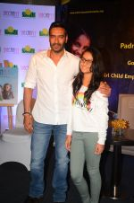 Ajay Devgan at smile foundation event with daughter Nysa on 28th Sept 2016 (87)_57ecb3c72c3c5.JPG