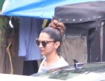 Deepika Padukone spotted on 28th Sept 2016 (1)_57ecbff204652.JPG
