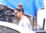 Deepika Padukone spotted on 28th Sept 2016 (5)_57ecbfbfef493.JPG
