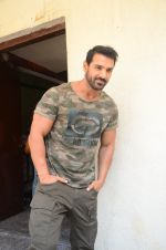 John Abraham at Force 2 trailer launch in Mumbai on 29th Sept 2016 (222)_57ed256e05a0f.JPG