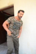 John Abraham at Force 2 trailer launch in Mumbai on 29th Sept 2016 (225)_57ed2570073a9.JPG