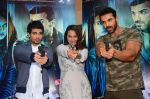 John Abraham, Sonakshi Sinha, Tahir Bhasin at Force 2 trailer launch in Mumbai on 29th Sept 2016 (282)_57ed25ca1e415.JPG