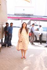 Kareena Kapoor snapped At Mehboob Studio on 29th Sept 2016 (13)_57ed1ade3ecfd.JPG