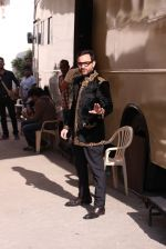Saif Ali Khan snapped At Mehboob Studio on 29th Sept 2016 (14)_57ed1b4a63f8f.JPG
