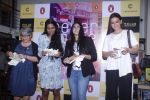 Sonali Bendre unveils Anusha Subramaniam�s book Never Gone on 28th Sept 2016 (5)_57ecb1c34504c.JPG