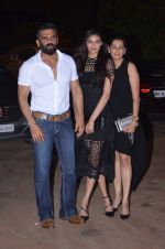 Sunil Shetty, Mana Shetty, Athiya Shetty at Reema jain bday party in Amadeus NCPA on 28th Sept 2016 (897)_57ecbe0d2a353.JPG