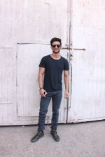 Sushant Singh Rajput At Mehboob Studio Bandra on 29th Sept 2016 (2)_57ed1b63b25fb.JPG