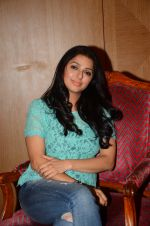Bhumika Chawla snapped in Mumbai on 29th Sept 2016 (6)_57ee30af2d437.JPG