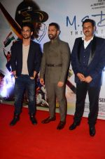 Mahendra Singh Dhoni, Sushant Singh Rajput at MS Dhoni premiere in Mumbai on 29th Sept 2016 (91)_57ee33f9d40ee.JPG