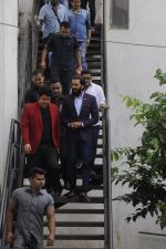Riteish Deshmukh snapped at Filmcity on the sets of his new chat show on 29th Sept 2016 (10)_57ee2e1826cd5.JPG