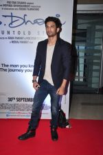 Sushant Singh Rajput at MS Dhoni premiere in Mumbai on 29th Sept 2016 (24)_57ee344e08af7.JPG