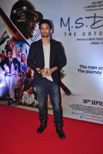 Sushant Singh Rajput at MS Dhoni premiere in Mumbai on 29th Sept 2016 (28)_57ee3451389c3.JPG