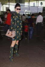 Urvashi Rautela snapped at airport on 29th Sept 2016 (28)_57ee2cc8742c8.JPG