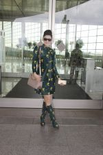 Urvashi Rautela snapped at airport on 29th Sept 2016 (37)_57ee2cd7ee138.JPG