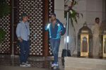Varun Dhawan snapped at Antila for ISL meet on 29th Sept 2016 (28)_57ee30e737eba.JPG