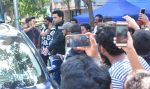 Varun Dhawan snapped in his Badrinath Ki DhulaniBadrinath Ki Dulhania look post the shoot in Borivli on 29th Sept 2016 (17)_57ee2eba389c6.JPG