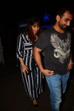 Kunal Deshmukh snapped post dinner on 30th Sept 2016 (6)_57effa58efe8e.JPG