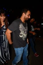 Kunal Deshmukh snapped post dinner on 30th Sept 2016 (7)_57effa59d8e90.JPG